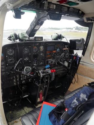 Le cockpit du BN-2 ©Agence des aires marines protégées/observatoire Pelagis – REMMOA 2014
