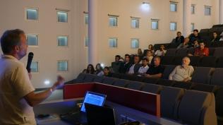 L'équipe présente la campagne à l'auditorium de la province Sud ©Agence des aires marines protégées/observatoire Pelagis – REMMOA 2014